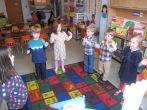 Bailando y cantando (Dancing and singing)!